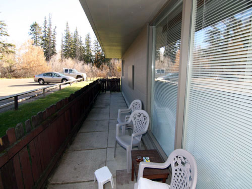 photo of balcony in Willow Estates